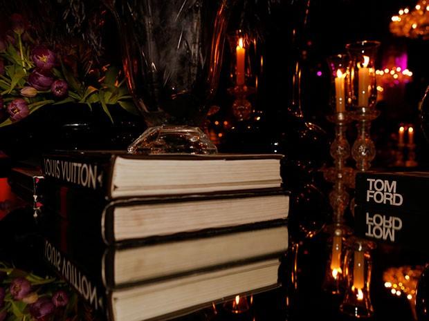 Livros compõem a decoração do evento (Foto: Ellen Soares / Gshow)