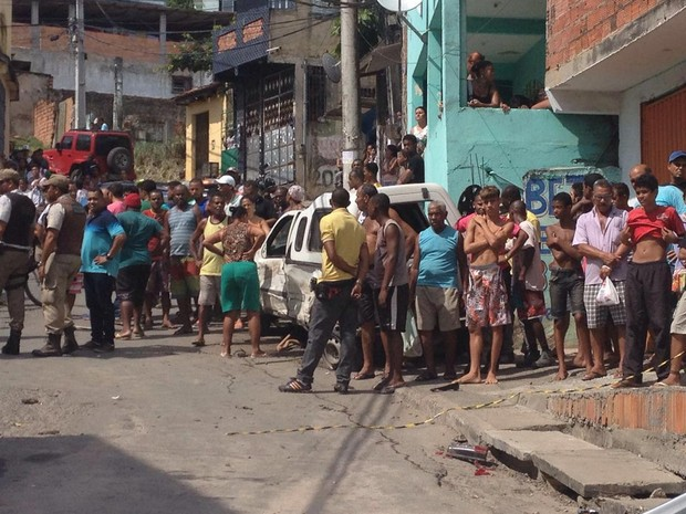 Moradores ficaram assustados com acidente (Foto: Rafael Teles/G1)