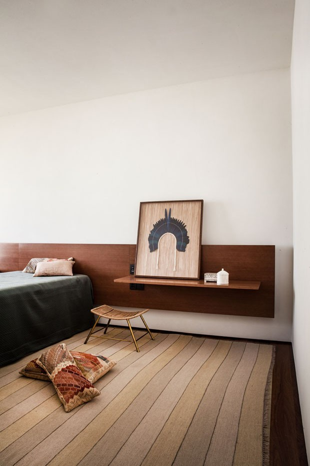 Décor do dia: madeira e tons terrosos marcam quarto minimalista (Foto: Divulgação)