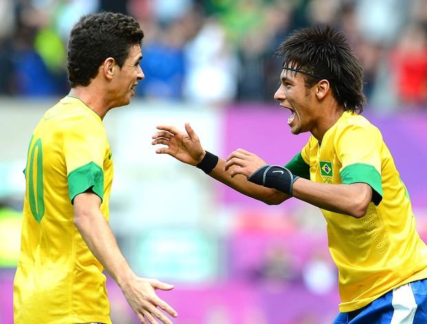 Neymar comemora gol do Brasil contra a Bielorrússia (Foto: AFP)
