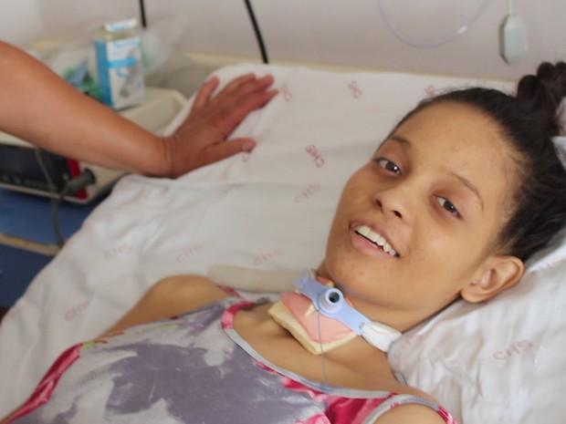 Kimberlyn ficou tetraplégica após acidente em Araçoiaba da Serra (Foto: Jomar Bellini/G1)