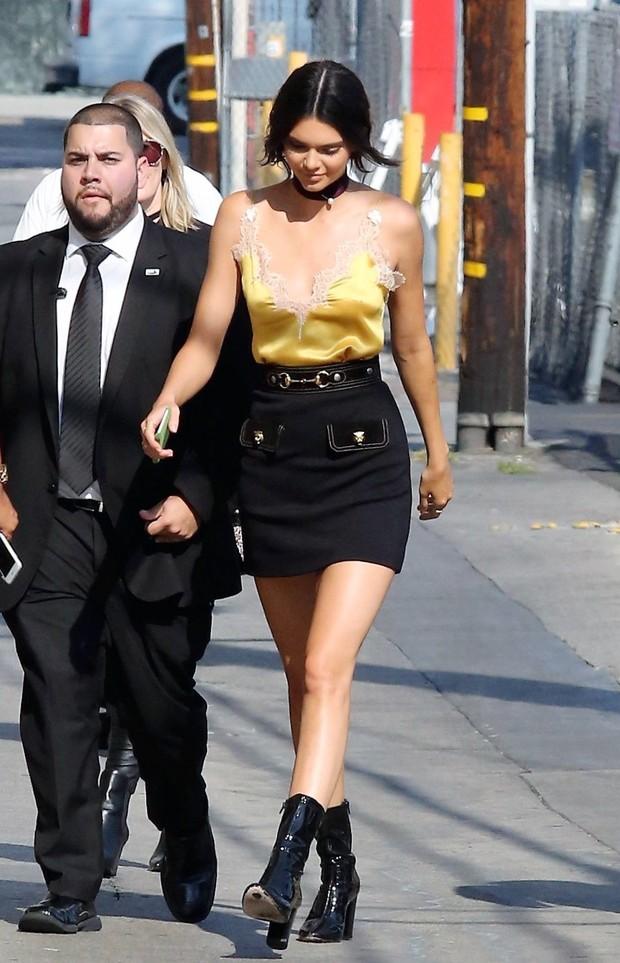 X17 - Kendall Jenner em Los Angeles, nos Estados Unidos (Foto: X17online/ Agência)