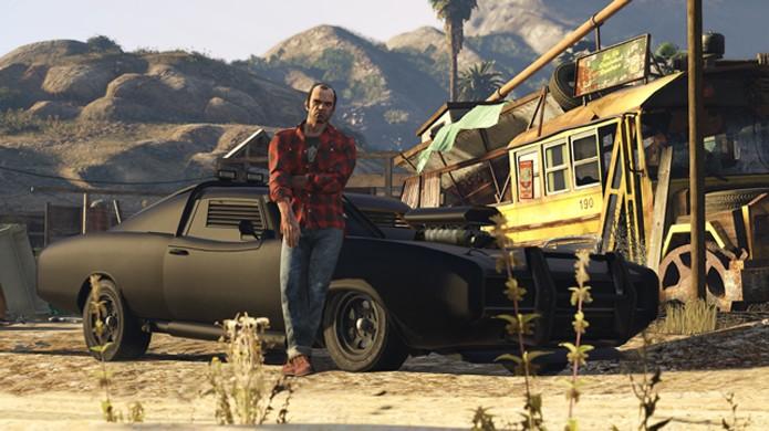Trevor posa com o Imponte Duke O Death, recompensa para jogadores de GTA 5 (Foto: Divulgação)