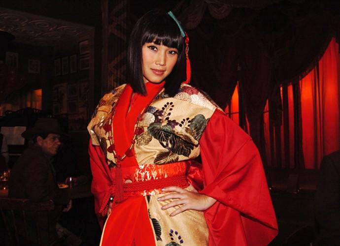 Dani Suzuki viveu Yoko Bell em 'Bang Bang', uma gueixa japonesa que vestia roupões de seda e tinha trejeitos típicos (Foto: João Miguel Júnior /  TV Globo)
