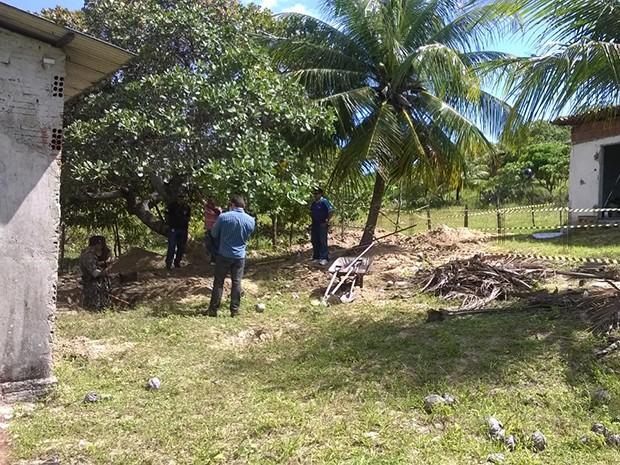 Ossada foi encontrada próxima à casa onde Carlos Alexandre morava (Foto: Eduardo Rodrigues/Inter TV Cabugi)