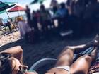 Tatiele Polyana 'ostenta' corpo perfeito em miniférias na praia: 'Alma lavada'