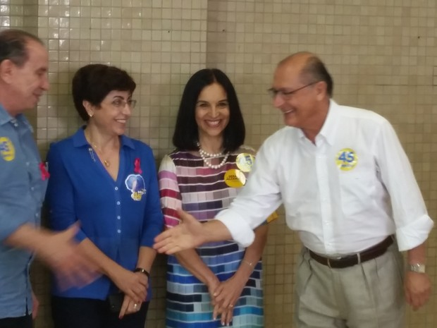 Alckmin votou acompanhado de Aloysio Nunes e as esposas de ambos (Foto: Tatiana Santiago/G1)
