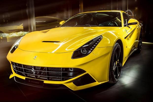 Ferrari F12 Berlinetta recebe interior da Carlex Design (Foto: Divulgação)
