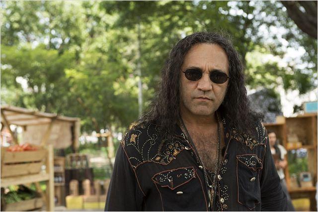 Domingos Montagner interpreta Corvo, um sedutor de aluguel na trama (Foto: Reprodução)