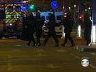 Ataques em Paris foram coordenados por mensagens de celular, diz jornal