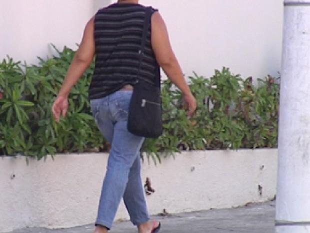 Maníaco da moto de Mirassol ataca mulheres andando sozinhas nas ruas (Foto: Reprodução/TV Tem)