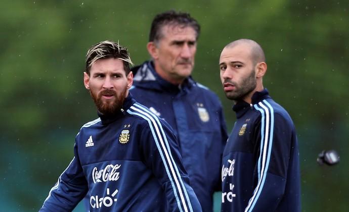 Edgardo Bauza Messi e Mascherano Argentina (Foto: Reuters)