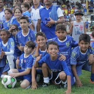 Torcida infantil do Nacional (Foto: Isabella Pina)