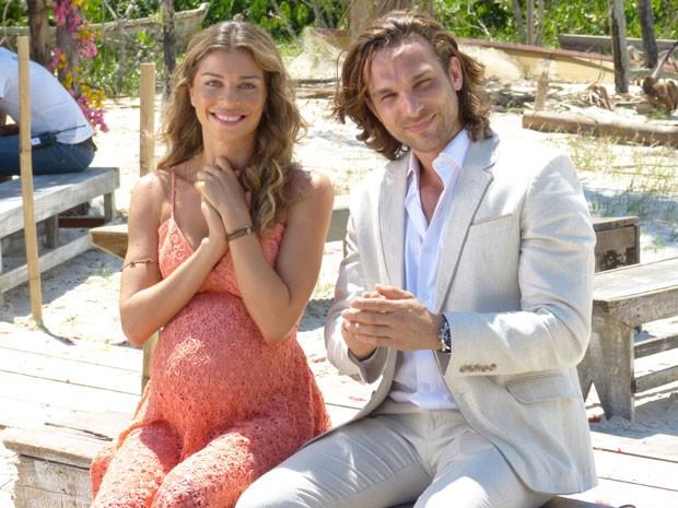 Grazi Massafera gravou cena em que ester aparece grávida (Foto: Flor do Caribe / TV Globo)