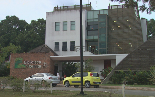 Biblioteca da floresta conta história do Acre por meio das exposições (Foto: Bom Dia Amazônia)