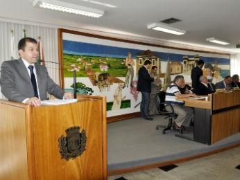 Serginho do Posto disse que licitação sai ainda em 2012 (Foto: Divulgação/Câmara Municipal de Curitiba/Andressa Katriny)