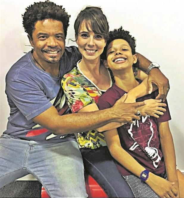 Luciano Quirino, Miriam Freeland e Anderson Lima nos bastidores do filme 'DPA — Detetives do Prédio Azul' (Foto: Arquivo pessoal)