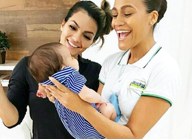 Kelly Key vacina caçula, Artur (Foto: Reprodução)