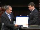 Cirurgião Cid Pitombo recebe medalha Tiradentes na Alerj