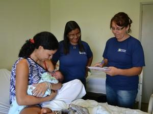 Estudante de 17 anos que deu à luz durante prova do Enem recebe visita de assistentes sociais em Sidrolândia MS (Foto: Fernando da Mata/G1 MS)
