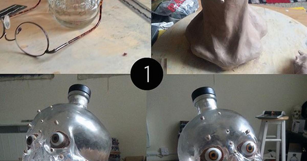 Artista reconstrói rosto a partir de garrafa de vodca no formato de crânio