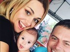 Luigi Baricelli posta foto com a neta  Helena e brinca: 'Baba Vovô, baba'