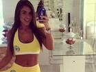 Nicole Bahls mostra barriga sequinha e recebe elogios de seguidores