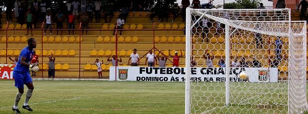 Dodô estreia no Grêmio Osasco com golaço (Foto: Luís Pires/finePhoto)