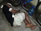 Homem é preso por furto e algemado a bicicleta em delegacia do RN