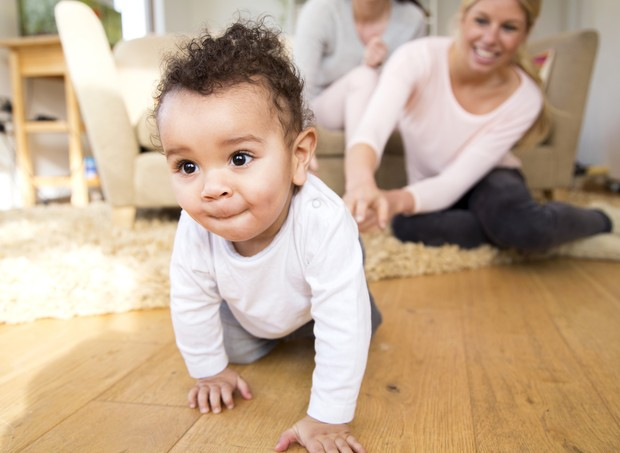 Engatinhar é fundamental para o seu filho (Foto: ThinkStock)
