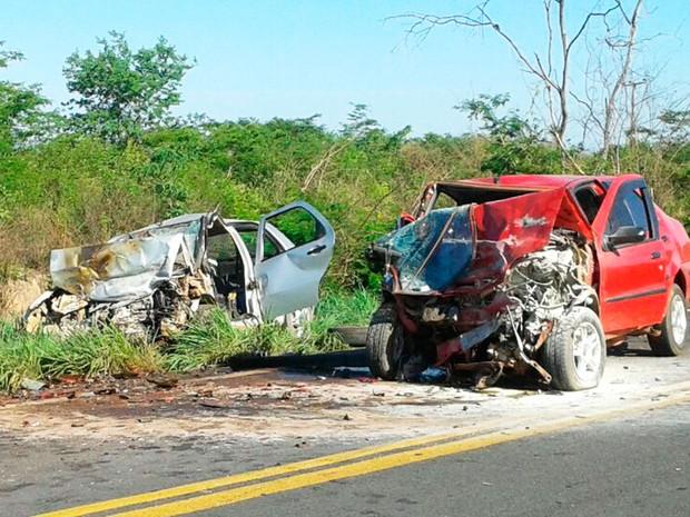 Acidente na BR-135 deixa quatro mortos na Bahia (Foto: Divulgação/PRF)
