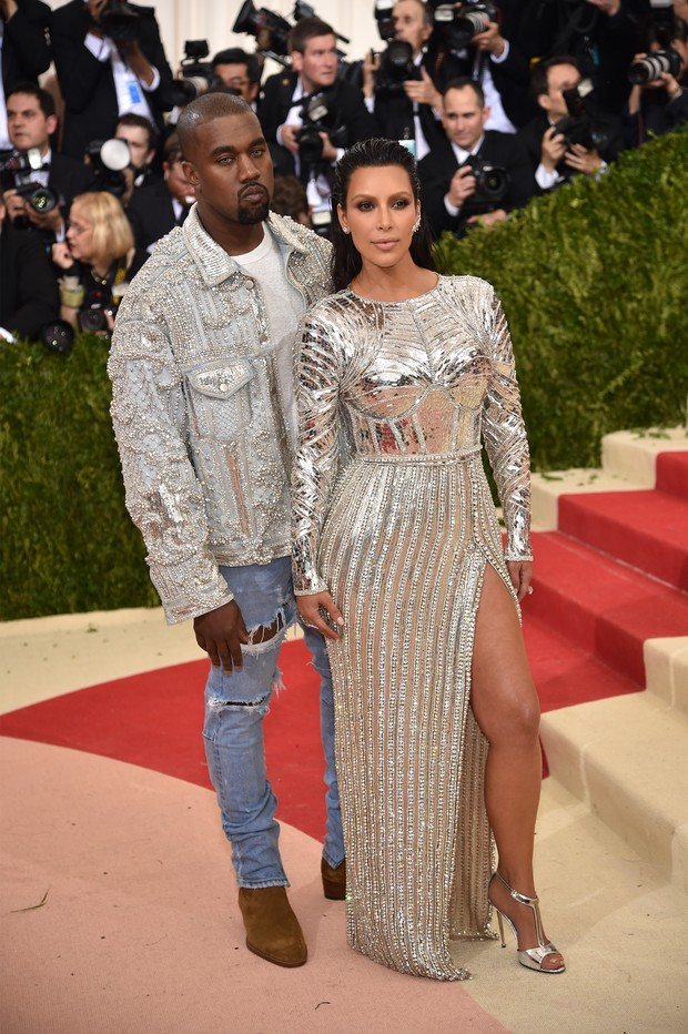 Kim Kardashian e Kanye West no MET (Foto: AFP / Getty)