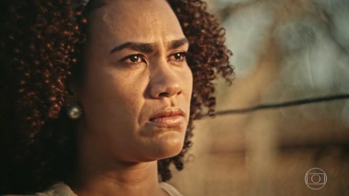 Dalva não gosta do jeito com que Cícero a trata (Foto: TV Globo)