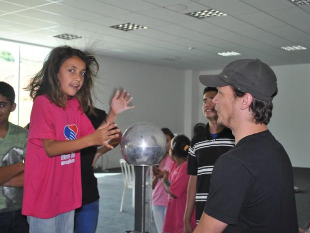 Evento leva atividades astronômicas gratuitas a moradores de Itajubá, MG (Foto: Laboratório Nacional de Astrofísica/Divulgação)