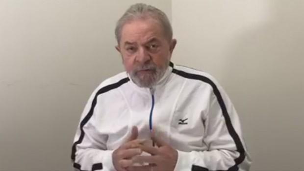O ex-presidente Luiz Inácio Lula da Silva em entrevista à Rádio Tupi (Foto: Reprodução/Facebook)