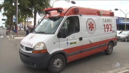 Ambulância do Samu que transportava vítima de acidente de moto se envolve em batida
