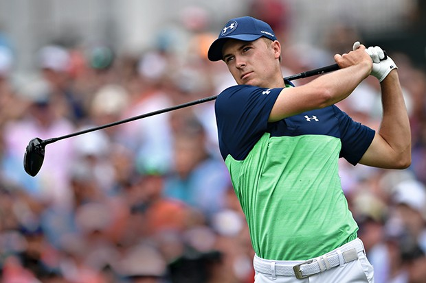 CHARLOTTE, NC - AUGUST 11: Jordan Spieth of the United States plays his shot from the first tee  during the second round of the 2017 PGA Championship at Quail Hollow Club on August 11, 2017 in Charlotte, North Carolina.  (Photo by Stuart Franklin/Getty Im (Foto: Getty Images)