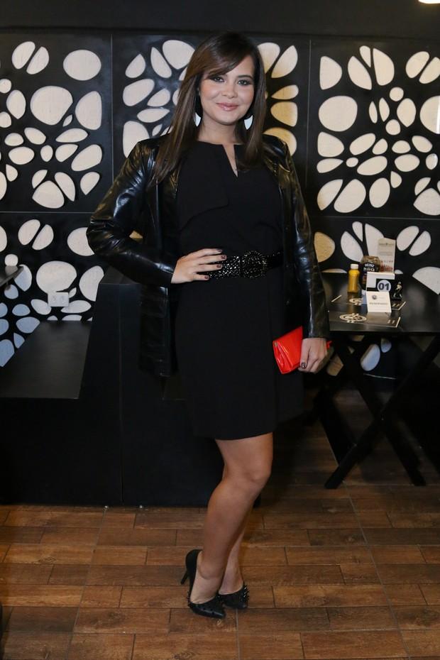 Geisy Arruda sai da dieta em evento (Foto: Thais Aline/ Agência Fio Condutor)