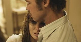 Angelina Jolie e Brad Pitt em cena (Foto: Reprodução)