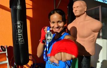 Boxeadora do AM realiza feijoada para defender título brasileiro, em Cuiabá