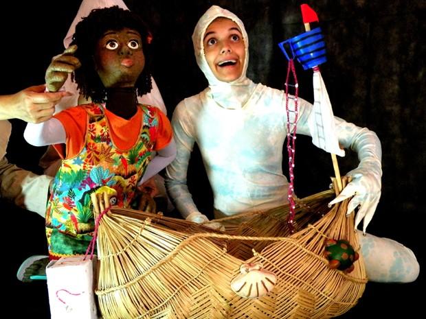 Nina é uma boneca de pano em tamanho real (Foto: Carla Barros)