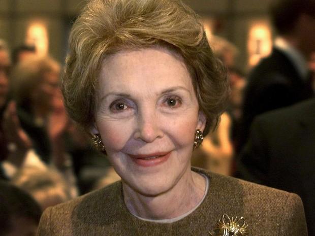 Foto de 1999 mostra a primeira-dama dos EUA, Nancy Reagan, na Biblioteca Ronald Reagan, em Simi Valley, Califórnia  (Foto: Reuters/Sam Mircovich)