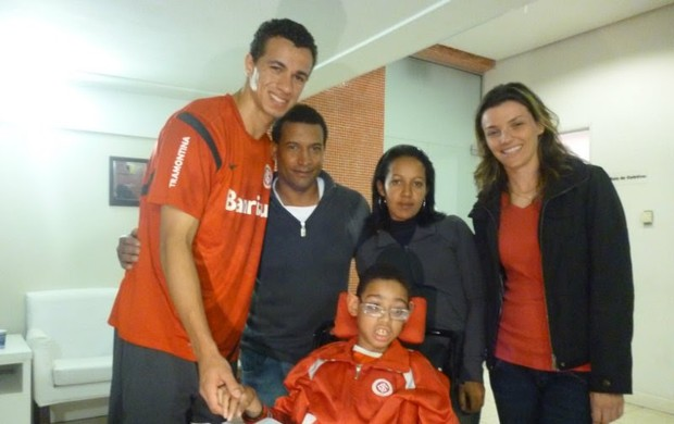 leandro damião xará menino inter especial (Foto: Matheus Pereira/RBS TV)