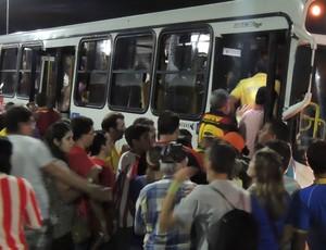 Saída Arena Pernambuco (Foto: Elto de Castro)