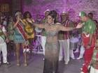 Atual campeã do Carnaval de Santos, X-9 escolhe nova rainha de bateria