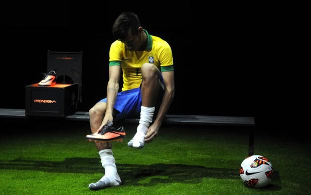 cobertura imprensa Neymar chuteira lançamento (Foto: André Durão / Globoesporte.com)