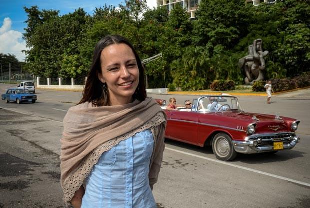 A guerrilheira holandesa das Farc Tanja Nijmeijer posa em 15 de novembro em Havana (Foto: Adalberto Roque/AFP)