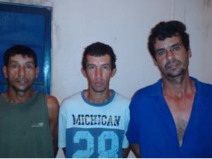 Três dos suspeitos de cometer crime em Barrolândia (Foto: Divulgação/SSP)