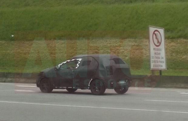 Novo Chevrolet Onix cauflado é flagrado pelo leitor Rodrigo Souza Mendes (Foto: Rodrigo Souza Mendes)