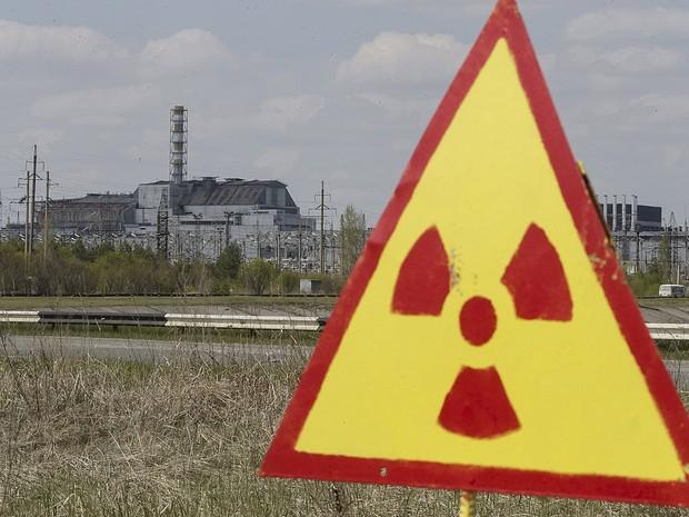 Prédio de proteção que abriga o reator nuclear desativado da usina de Chernobyl, na Ucrânia (Foto: Gleb Garanich/Reuters)